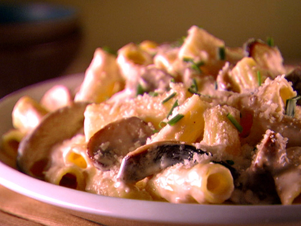 Vegan Rigatoni with Creamy Mushroom Sauce from Bethlehem VegFest's Cookbook