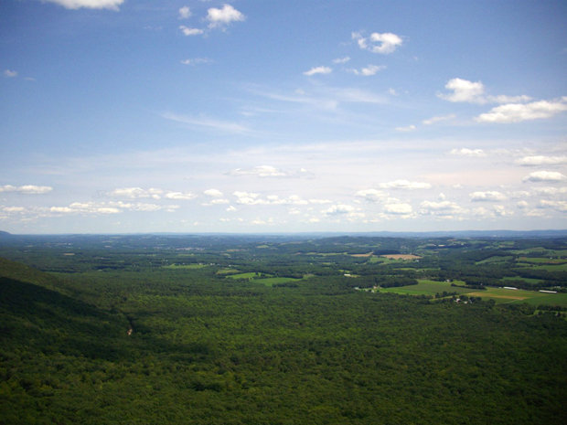 Bake Oven Knob, places to walk and hike in nature in the Lehigh Valley.